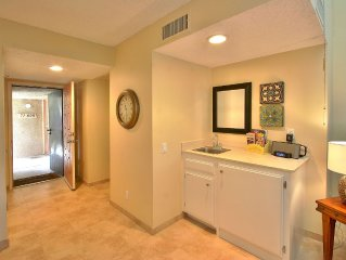 Charming Upscale Condo - Only Steps to 'The River'