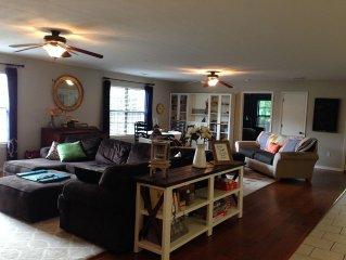 Huge Open Floor Plan 5 Bedroom/3 full bath Home In Central Fayetteville