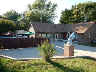 Excellent Opportunity for Small Group; Multi-Family; Vacation; Entertainment