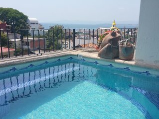 Lovely southside condo located close to The Romantic Zone and The Beach Area