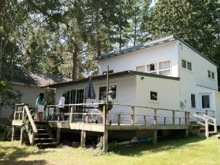 Spacious Cabin On Long Lake, steps from water