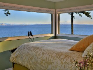 Bainbridge 2-BR Waterfront with Panoramic Views, Hot Tub, & Firepit