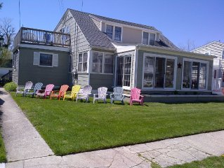 Walk one Block to Beach!  Seaside Beach House, light/bright/comfy