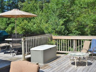 3 Bedroom, 2 Bath Home With Large Private Deck And Outdoor Shower