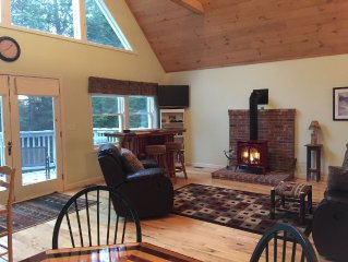 3 Levels Of Living In The Heart Of The White Mountains!   Pet Friendly
