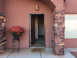 Luxury Townhouse with 4K TV 1 Gig Internet pool/spa near Grand Canyon,Bryce,Zion