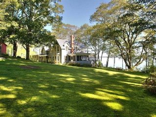 Gorgeous Waterfront Estate In Historic Bayside