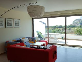 Modern 2 Bedrooms Apartment Oceanview, Mountainview, Beachside Apartment Golf WI