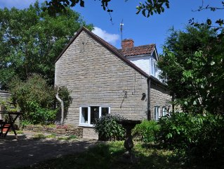 Pet friendly, self-contained cottage annexe with garden. Light and spacious.