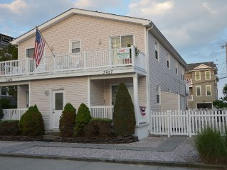 Beach block Condo. Steps to beach; walking distance to shopping and playground