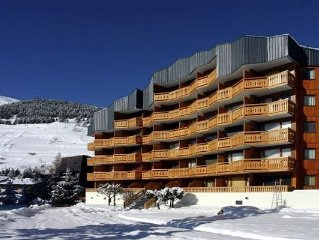 A studio in attractive Les Deux Alpes, close to the ski-lifts and village centr