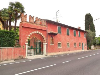 Corte Lazise 5 Sleeps Apartment In Front Of The Castle In Lazise