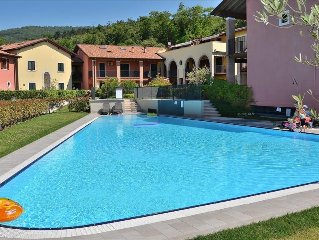 Corte La Fiorita 4 Sleeps Apartment In Residence, With Large Pool In Cavaion Di