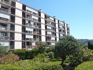 Apartment Les Coteaux du Preconil  in Sainte Maxime, Cote d'Azur - 4 persons, 2