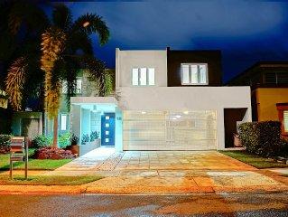 SPECTACULAR LUXURY HOUSE IN EXCLUSIVE NEIGHBORHOOD