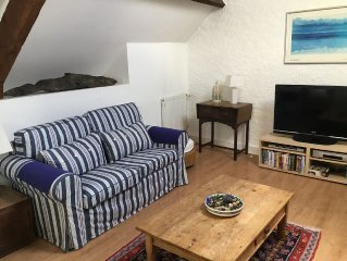 Delightful house in the heart of St Vaast-la-Hougue, just steps from the sea.