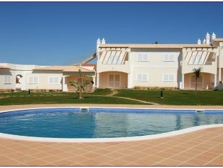 Luxury sea and pool view apartment  UK TV / Unlimited  Wi-Fi access