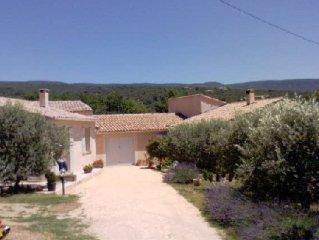 villa 500 m from the tourist village of St saturnin les apt