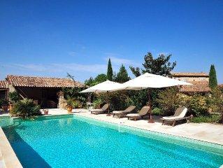 Gite climatise, independant. Pour 4. Grand jardin, piscine chauffee. 150m Lubero