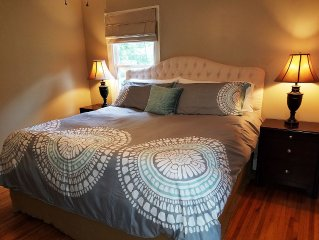 **King and Queen Beds in the Cozy, Quaint Woodland Cottage**