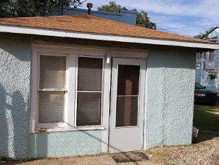 Full Kitchen Near Texas Tech With Privacy