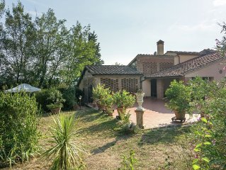 Spacious holiday house in the middle of Toscana