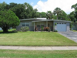Gulf Estates Adorable Bungelow Pool home centrally located & pet friendly