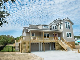 OBX Parade of Homes Winner , Immaculate new home, Quick-easy Beach Access,