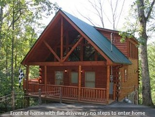 Secluded Cabin, minutes from Gatlinburg, Perfect Getaway!