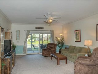 Golf Course Condo offers pool, wifi, washer and dryer and near Broadway at the B