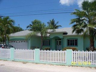 Birch Ave Get Away Prospect Cayman Island