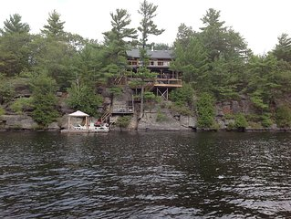 Charming Log Muskoka Cottage, Gravenhurst