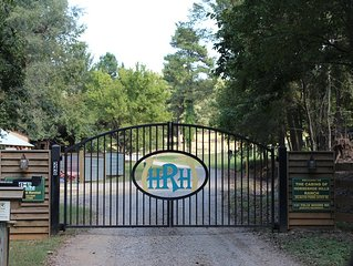 Cozy Cabin On 30 Acres... Great For Families, Near Natchitoches,