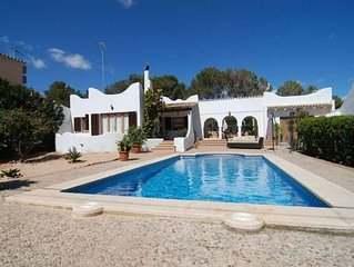 Lovely House in Cala Pi, 3 Bedrooms, 2 Bathrooms, Internet Free, Sleeps 6/7