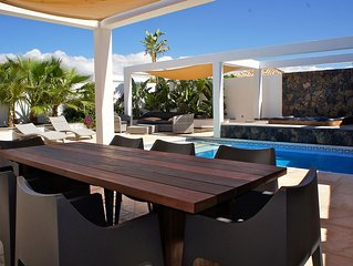 """Villa de standing sur EL ROQUE """"'wifi,piscine et jacuzzi"""""""