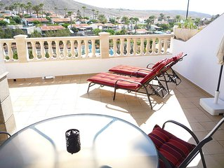 LUXURY HOLIDAY HOME  OUTSTANDING VIEWS CLOSE TO BEACHES & TOWN, WIFI& SAT.T.