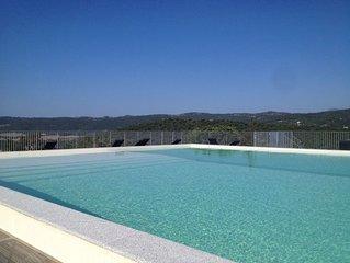 Charmante Mini-villa dans résidence avec piscine à débordement...