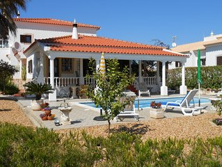 Pretty holiday home with pool and garden for the whole family from 2 to 10 pax