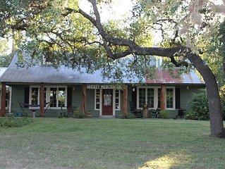 Historic 1869 Whiskey Mtn. Home w/HOT TUB & Hammock- Sleeps 15-22 Great Location
