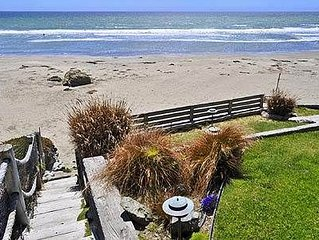 1210 Pacific Ave: 3 BR / 2 BA  in Cayucos, Sleeps 6
