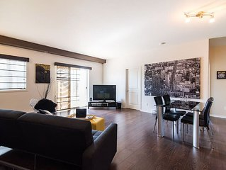 Chic & Modern Condo by Gatineau Park + 15min from