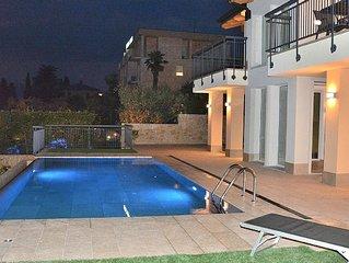 South Apartment - 4 sleeps lake view & shared pool - Torri del Benaco