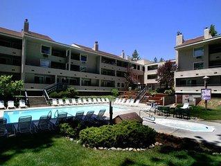 South Lake Tahoe near all Ski Lifts - Stiudio w/ Loft - Full Kitchen, Pool, WiFi