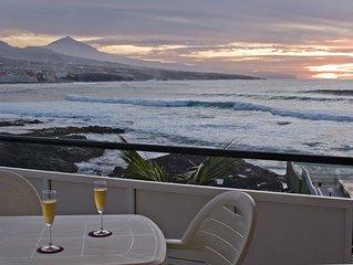 Estudio con piscina, terraza y vistas al mar