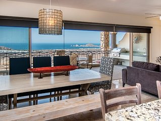 Spectacular View and Luxury Condo