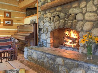 Enjoy Fall Colors in a Beautiful Log Cabin-Hike, Golf, Cycle, Relax by the Fire!