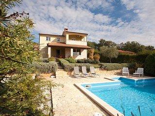 Villa Sofia: Private Pool, Mature Garden, Sea Views