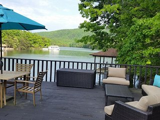 Newly Renovated! Quiet Cove, Hot Tub, Fire Pit, Party Deck, Mountain View
