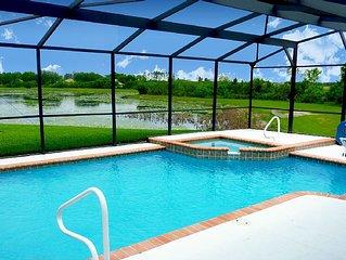Beautiful Private Waterfront Villa on Quiet Cul-De-Sac, Pool & Spa, Wifi