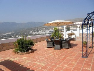 A beautiful villa in Competa, with pool and stunning views, sleeps up to 8
